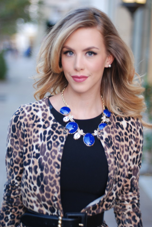 Blue banana republic statement necklace