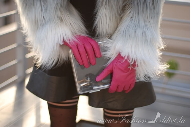 How to wear leather gloves